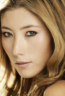 [Amber's a lot more mixed, but Dichen Lachman kind of reminds me of her. I can't think of any actress who would really look like my protagonist, but Lachman has the face shape, the hair style (in this picture especially), and the tough demeanor ] Animal Kingdom Tv Show, Pretty People, Beautiful People, Hello Beautiful, Beautiful Ladies, Being Human Syfy, Dichen Lachman, Show Beauty, Dance Academy