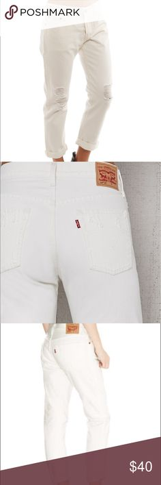 💋Women's White Levi's 501CT Jeans💋 NWT. My favorite jeans. The only ones I wear these days. 501 jeans with a perfect tapered fit. Ultimate Boyfriend fit, straighter at the waist, cropped and tapered inseam. Classic 5 pocket make your booty look 💥 Wear them relaxed or downsized and sexy. I even cut some into shorts😍👍🏻 They shrink like all Levi's if you put them in the dryer. Hang dry if shrinkage isn't desired. Retail tag attached and selling at Pac Sun for $65.00. Get them for less…