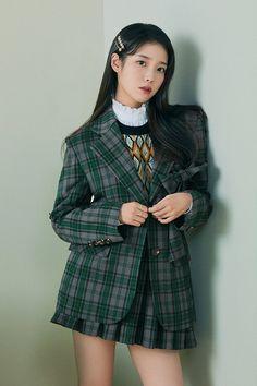 Fashion 101, Korean Fashion, Fashion Outfits, Iu Twitter, Brand Magazine, Pose Reference Photo, Korean Actresses, Beautiful Asian Girls, Beautiful Celebrities