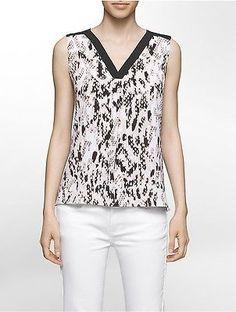 Calvin Klein Womens Modern Animal V-Neck Blouse Shirt