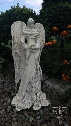 Crochet Angel Pattern, Crochet Angels, Diy Angel Wings, Framed Burlap, Art And Hobby, Paper Mache Sculpture, Angel Crafts, Angel Art, Sacred Art