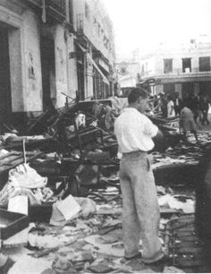Triana, cerca del mercado el 21 de julio de 1936. Sevilla, Andalucía.
