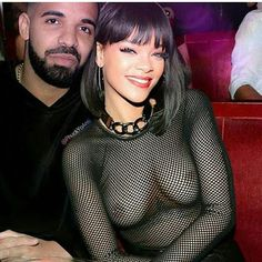 Welcome to Oma Trendz : Drake And Rihanna Loved Up In Yet Another Photo