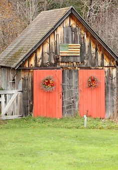 Weathered Old Barn.with orange doors. Reminds me of silver dollar city for some reason! Farm Barn, Old Farm, Country Barns, Country Life, Country Living, Country Roads, Cool Sheds, Orange Door, Barn Art