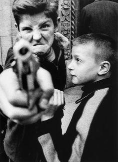 The emotion & lack of in these children is shocking. Paddle8: Gun 1, New York, 1955 - William Klein