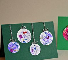There are few things that remind us of Christmas than beautiful baubles or ball ornaments. These Artsy Bauble Kid-Made Christmas Cards are fun Christmas crafts for kids that star the iconic ornaments. These DIY cards easy Christmas crafts for kids. Christmas Crafts For Toddlers, Christmas Card Crafts, Kids Crafts, Preschool Christmas, Toddler Christmas, Christmas Cards To Make, Christmas Activities, Handmade Christmas, Holiday Crafts