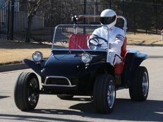 Kit Car/Fiberglass Replica - View topic - Dune Buggy Golf Cart Project (with Hampton kiddie ride body) Golf Cart Bodies, Mini Jeep, Subject Of Art, Custom Golf Carts, Pedal Cars, Unique Cars, Manx, Create And Craft, Love Car