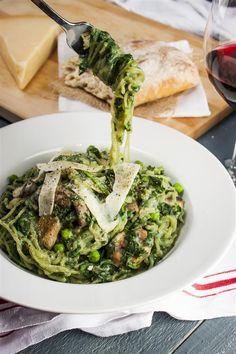 Super Skinny Shirataki Spinach Pasta Primavera