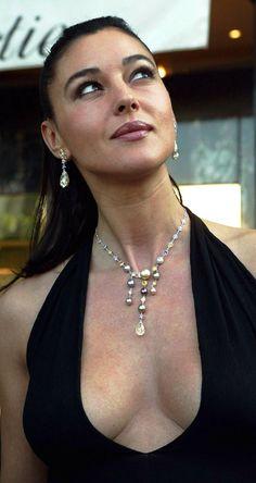 Monica Bellucci pictures and photos Monica Bellucci, Beautiful Celebrities, Most Beautiful Women, Beautiful Dream, Stunning Women, Pose, Italian Actress, Italian Beauty, Celebrity Crush