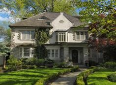 Spring Staging: Preparing your Home for Buyers: Grab Buyers' Attention Immediately with Curb Appeal