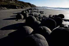 Object: Moeraki Boulders Moeraki Boulders, Car Travel, Bouldering, Places To Go, Water, Outdoor, Image, Collection, Gripe Water
