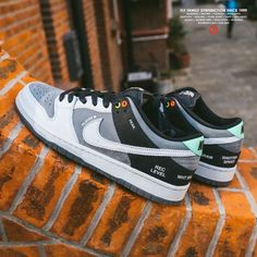 Hype Shoes, Nike Sb Dunks, Dunk Low, Camcorder, Grey Leather, Sony, Nike Air Force, Sneakers Nike, Celebrities