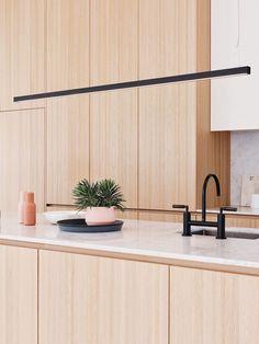 Buisverlichting- LED of TL verlichting? Tube lighting - LED or fluorescent lighting ? Glass Pendant Light, Pendant Lighting, Mini Pendant, Cool Lighting, Modern Lighting, House Lighting, Lighting System, Lighting Ideas, Kitchen Interior