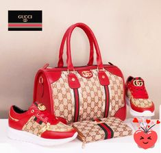 """Gucci bags now come in a number of sizes, shapes, colors, and designs. They are made and marketed throughout the world bearing the name """"Gucci"""" and a reputation for quality and design. Gucci Handbags Outlet, Fall Handbags, Luxury Handbags, Purses And Handbags, Cheap Handbags, Cheap Purses, Large Handbags, Cheap Bags, Small Purses"""