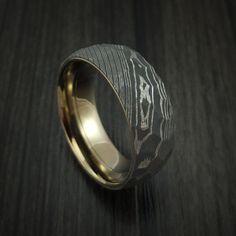Damascus Steel Ring with Rock Hammer Finish and Anodized Titanium Sleeve Custom Made - Mathilda Damascus Steel, Damascus Ring, Mens Ring Designs, Fashion Casual, Mens Fashion, Harajuku, Antler Ring, Bronze, Rock