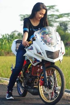 Wanita cantik sexsi Naik Kawasaki Ninja 2 Tak Ninja 2, Drag Bike, Kawasaki Ninja, Avatar The Last Airbender, Kustom, Drag Racing, Cars And Motorcycles, Honda, Model