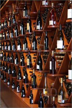 Resultados da Pesquisa de imagens do Google para http://www.featurepics.com/FI/Thumb300/20090612/Wine-Cellar-1212075.jpg