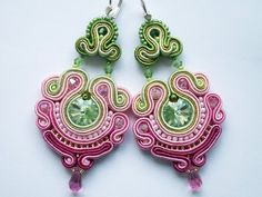 Zarcillos Soutache Soutache Pendant, Soutache Necklace, Ring Necklace, Tassel Earrings, Soutache Tutorial, Color Me Beautiful, Victorian Jewelry, Beaded Embroidery, Earring Set