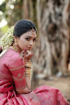 10 Gorgeous Braided Hairstyles You will Love - Latest Hairstyle Trends for 2019 Kerala Saree, Kerala Wedding Saree, Kerala Bride, Saree Wedding, South Indian Wedding Saree, Indian Bridal Sarees, Indian Bridal Outfits, Indian Bridal Fashion, Wedding Saree Blouse Designs