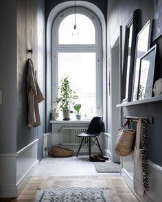 598 vind-ik-leuks, 24 reacties - Jasmina Bylund (@jasminabylund) op Instagram: ' _______________________________________________________ #nordicstyle #nordicinterior…' Nordic Interior, Luxury Interior Design, Interior Design Inspiration, Interior Architecture, Interior And Exterior, Modern Victorian Decor, Scandinavian Living, Transitional Decor, Home And Living
