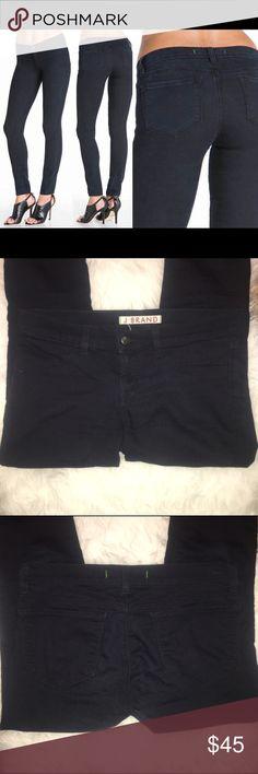 "J BRAND skinny legging jeans size 28 euc. authentic j brand skinny ""legging"" style jeans. front zip, back pockets. casual signs of wear. size 28. J Brand Jeans Skinny"