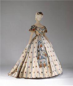 1861-1862, USA. Silk ball gown. MET Museum.