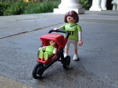 Playmobil Mom and Stroller 4