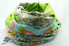 Schal mit Blumenmuster / Loop von #Lieblingsmanufaktur