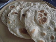 Tortilla készítése Tortilla Recipe, Pizza, Bread, Baking, Recipes, Food, Tortillas, Kitchen, Gastronomia