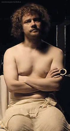 Plays 16th century artist with dad-bod. Gets revenge body in Fargo.