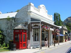 Coromandel Township - steeping back in time Capital Of New Zealand, Nz South Island, New Zealand Holidays, Volunteer Abroad, Travel Drawing, The Beautiful Country, What Is Like, Scenery, Mansions