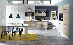Keukenloods.nl - Torre #greeplozekeuken  Deze compacte keuken is ideaal in een wat kleinere ruimte. De inbouw kastenwand biedt ruimte aan de oven en koelkast. Het keukenblok biedt ruimte aan de kookplaat en het spoelgedeelte. Tevens is hier ruimte voor een vaatwasser. Door de ladekasten onder het kookgedeelte kunt u de ruimte optimaal indelen