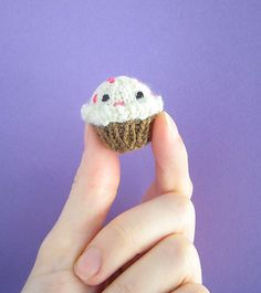 Ravelry: Tiny Cupcake pattern by Anna Hrachovec
