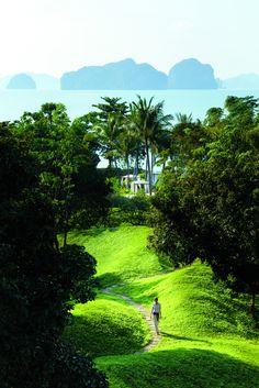 Garden path along Phulay Bay