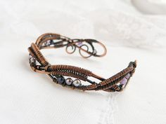 VK is the largest European social network with more than 100 million active users. Wire Wrapped Bracelet, Woven Bracelets, Copper Bracelet, Copper Jewelry, Stone Jewelry, Wire Jewelry, Jewelry Art, Jewelry Design, Jewelry Crafts