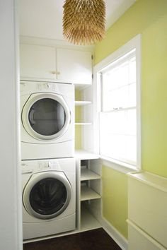 Laundry Room // Shelving // Lamp