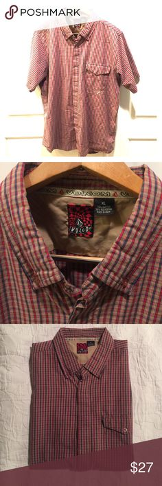 Men's Volcom short sleeve button up shirt Christmas casual! Make your holiday shirt cool with Volcom. Volcom Shirts Casual Button Down Shirts