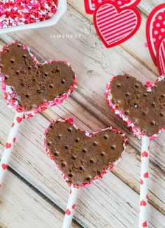 8. Heart Shaped Ice Cream Sandwiches - Surprise Your Valentine With Amazing Valentine Recipes _8