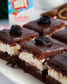 Piernik przekładany powidłami i mascarpone - I Love Bake Other Recipes, Sweet Recipes, Cake Recipes, Dessert Recipes, Potica Bread Recipe, Cookies And Cream Cake, Tasty Vegetarian Recipes, Xmas Food, Homemade Cakes