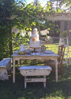 Little Farmstead: A Country Summer Table Setting.