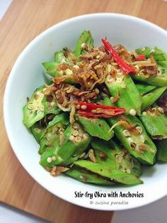 Stir-fry Okra with Prawn. Stir-fry Okra with Prawn with some dried shrimps chilli (hae bee hiam) which makes it a very appetizing dish. Okra Recipes, Seafood Recipes, Asian Recipes, Cooking Recipes, Chinese Recipes, Chinese Food, Dishes Recipes, Filipino Recipes, Yummy Recipes