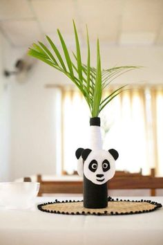 Good centerpiece to have at a table at an assorted emoji party Panda Themed Party, Panda Birthday Party, Panda Party, Birthday Parties, Panda Baby Showers, Panda Decorations, Kung Fu Panda, Baby Shower Themes, Shower Ideas