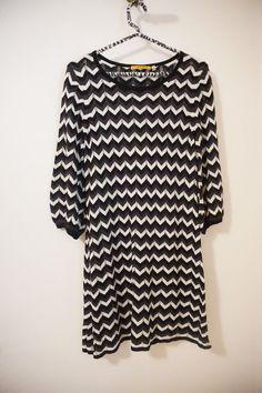 Alice + Olivia Black Chevron Zig Zag Knit 3/4 Sleeve Sweater Dress Size S #AliceOlivia #SweaterDress #Casual