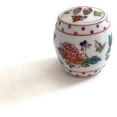 Ginger Jar, Vintage Ginger Jar, Porcelain Ginger Jar ($12) ❤ liked on Polyvore featuring home, home decor, vintage ginger jars, butterfly jar, dragonfly home decor, porcelain jar and vintage home decor