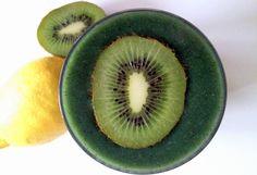 http://zielonekoktajle.blogspot.com/2016/01/kiwi-cytryna-banan-spirulina.html