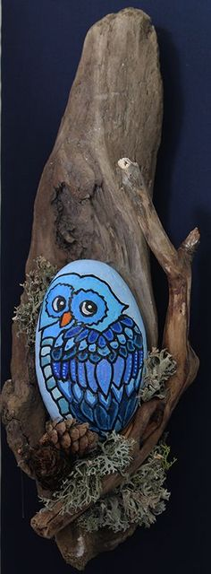 gufo Stone Crafts, Rock Crafts, Crafts To Sell, Diy And Crafts, Arts And Crafts, Pebble Painting, Pebble Art, Stone Painting, Rock Painting