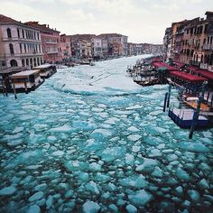 What most of us never expect to see though is a Venice that is completely frozen in ice, to the point that all the water is rock solid Winter Holiday Destinations in Europe - Amazing Explore Winter City Grand Canal Venice, Venice Canals, Images Of Frozen, Winter Holiday Destinations, Rome Florence, Surreal Photos, Photo Images, Photoshop, Montage Photo