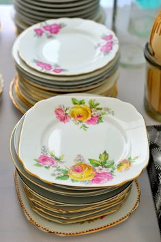 There is nothing lovelier than serving your beautiful wedding cake on vintage plates x