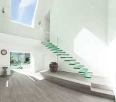 Modern Staircase with Laminate floors, Floating stairs, Glass staircase, Cathedral ceiling, Indoor/outdoor Residential Architecture, Interior Architecture, Modern Interior, Staircase Architecture, Asian Interior, Interior Photo, Architecture Plan, Interior Ideas, Interior Decorating
