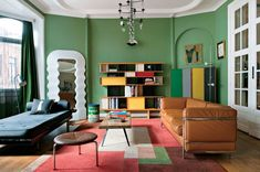 Mobili Grigi, a far-out bedroom collection that had been designed by architect Ettore Sottsass. French Inspired Bedroom, Tiny House, Country Modern Home, Patio, Retro Chic, Minimalist Interior, Transitional Style, Architectural Digest, Bohemian Decor